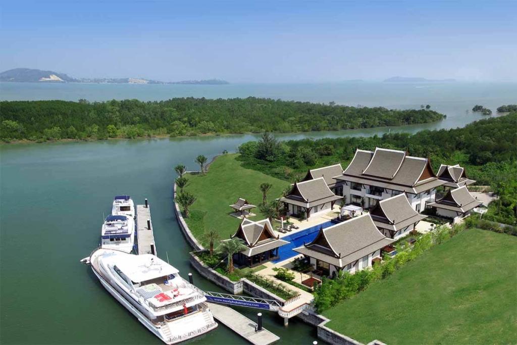The Grand Villa Royal Phuket Marina 5 Bedroom Waterfront Luxury Pool Villa for sale in Koh Kaew Phuket