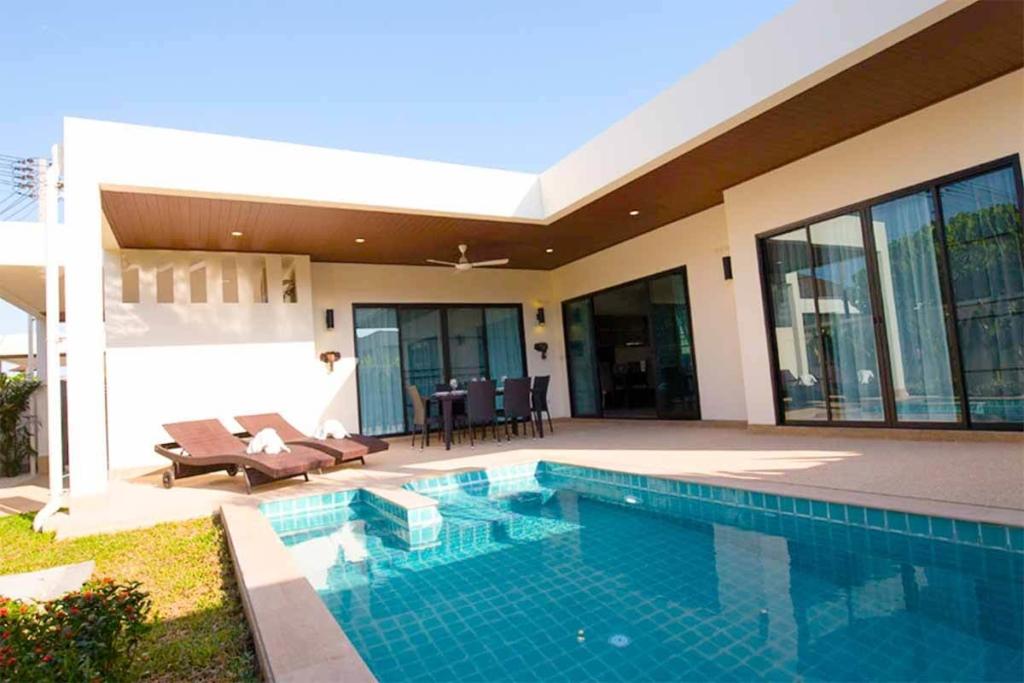Intira Villa 3 Bedroom Pool Villa Sale in Rawai Phuket