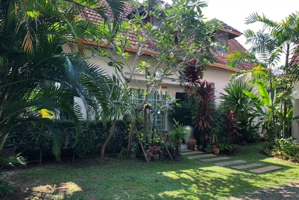 4 Bedroom Pool Villa for Sale by Owner near Boat Avenue in Cherng Talay, Phuket