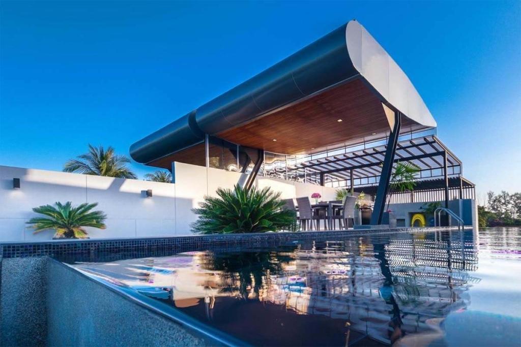 Aqua Villa for Sale in Rawai Phuket