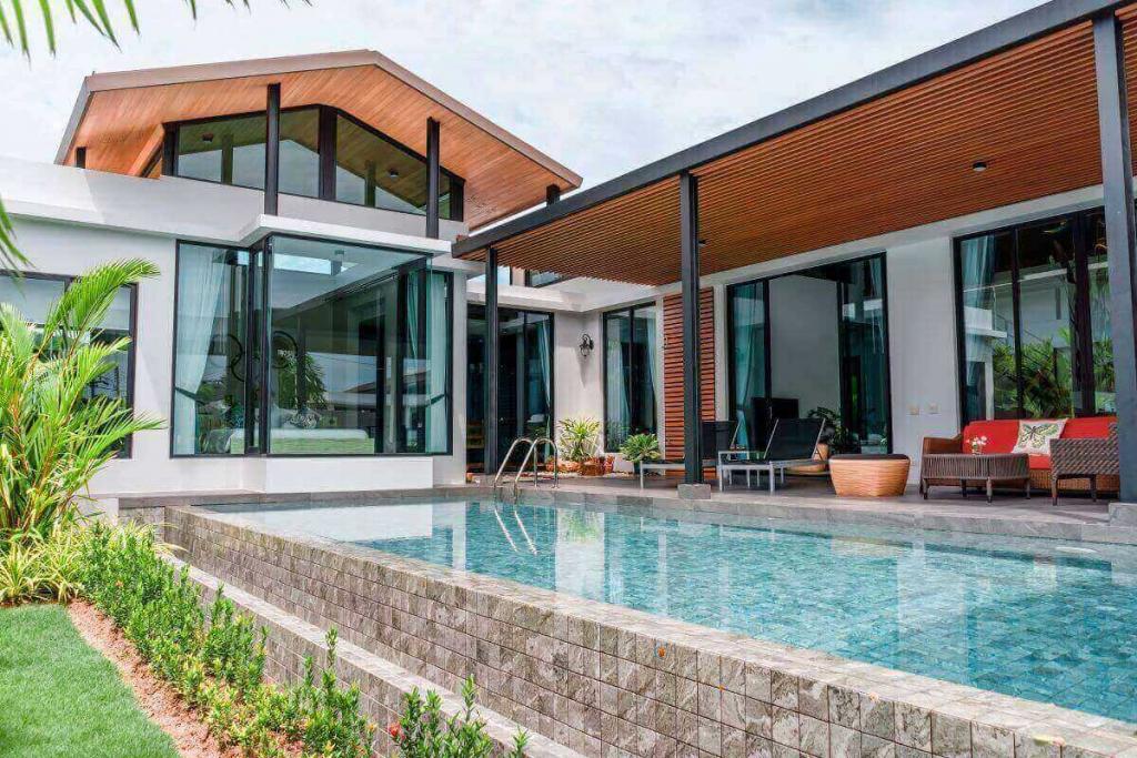 4 Bedroom Modern Loft Pool Villa for Sale near Nai Harn Beach, Phuket