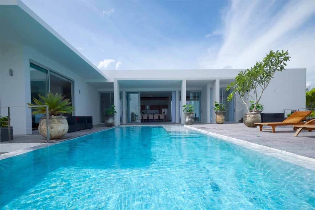 Baan Yamu 5 Bedroom Sea View Pool Villa for Sale in Yamu Phuket