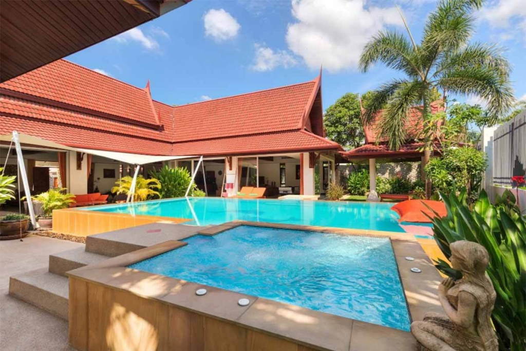 4 Bedroom Golf Course Front Pool Villa for Sale in Kathu Phuket
