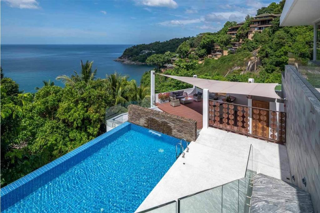 4-6 Bedromm Oceanfront View Villa for Sale in Kamala Beach Phuket