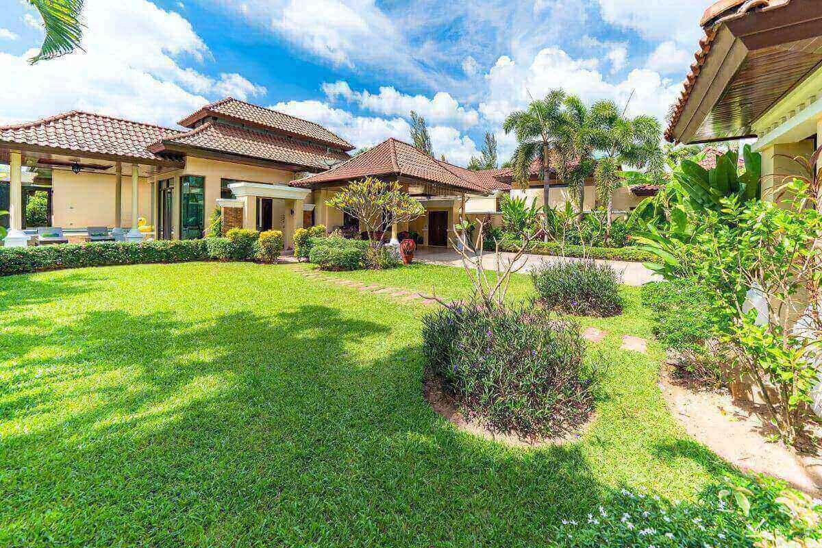 4 Bedroom Pool Villa for Sale near Bang Tao Beach, Phuket