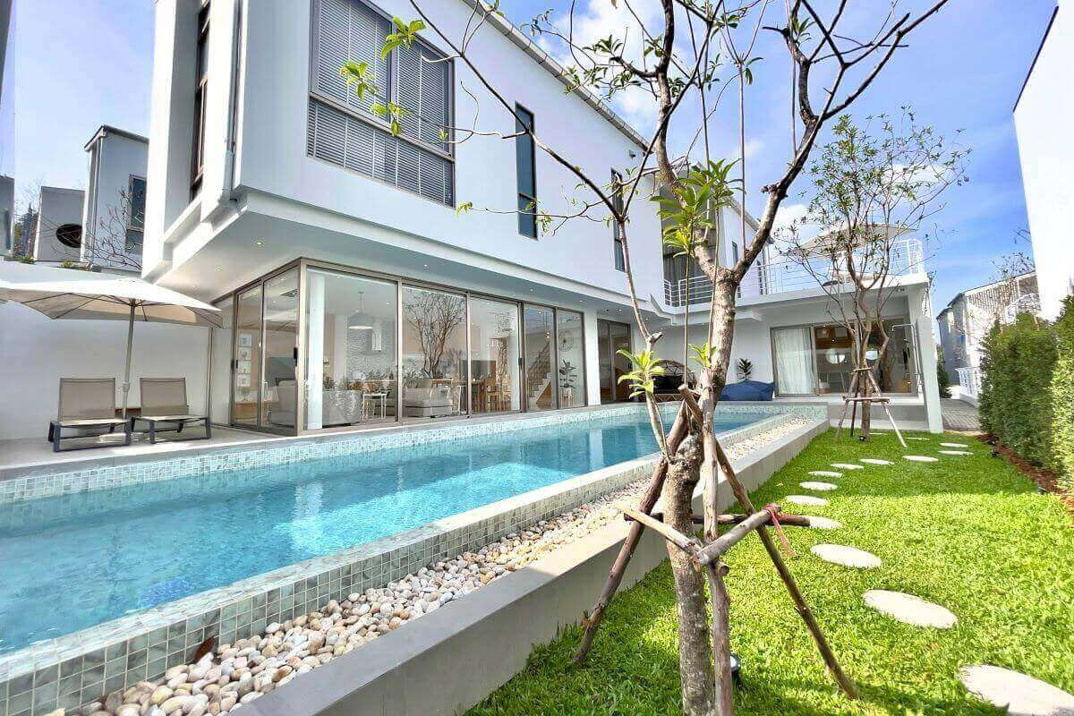 4 Bedroom Modern Pool Villa for Sale in Cherng Talay, Phuket