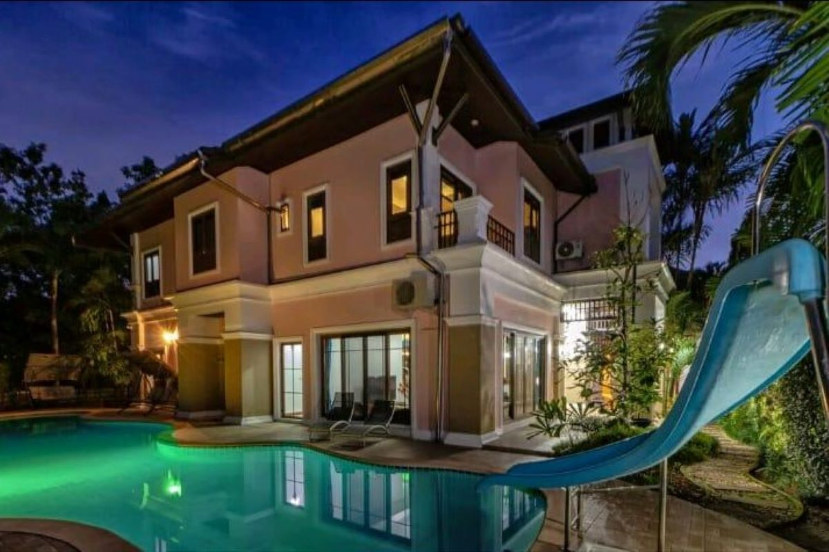 5 Bedroom Pool Villa for Sale at Phuket Boat Lagoon in Kohkaew, Phuket