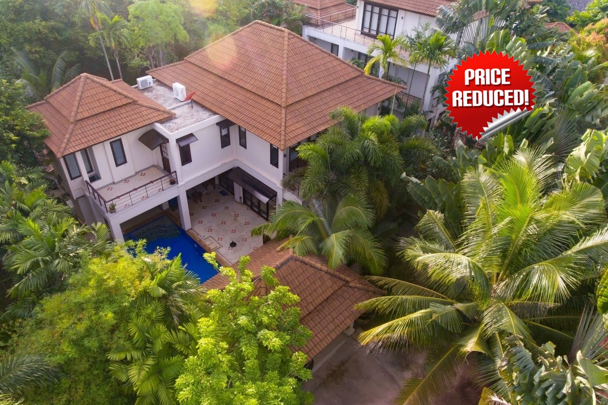 4 Bedroom Pool Villa with Big Plot of Land for Sale in Bang Tao, Phuket