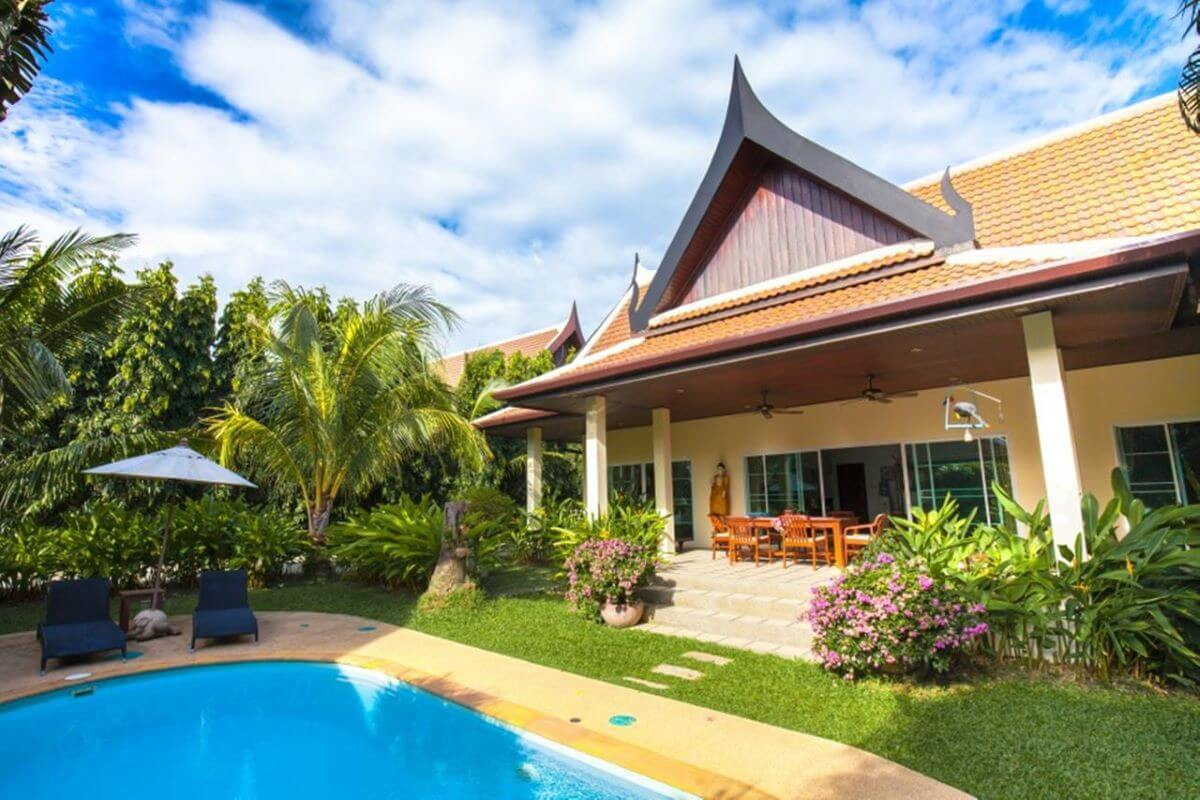 2 Bedroom Villa Montaplan with Private Pool for Sale near Rawai Seafront, Phuket