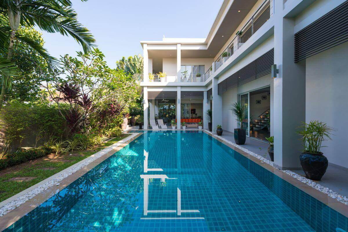 4 Bedroom Stand-Alone Non-Estate Pool Villa for Sale by Owner near Boat Avenue in Cherng Talay, Phuket