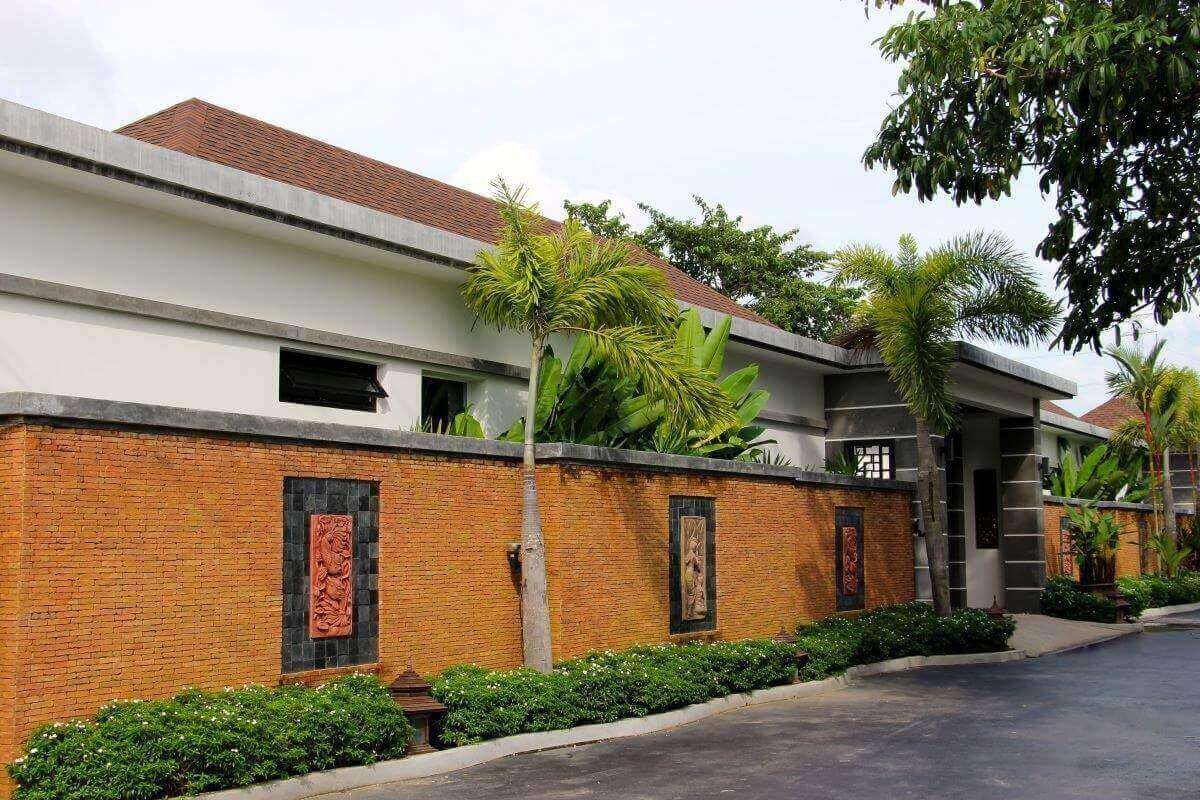 Thai-Bali Style Boutique Resort with 5 Private Pool Villas for Sale in Thalang, Phuket