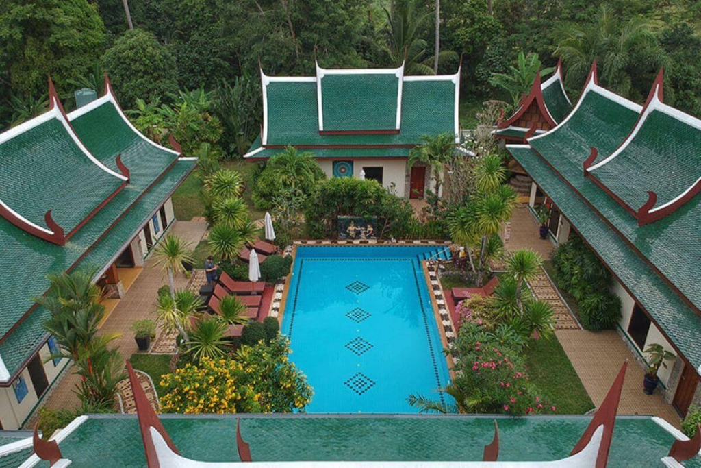 6 Bedroom Bed & Breakfast Hotel for Sale by Owner near Blue Tree in Cherng Talay, Phuket