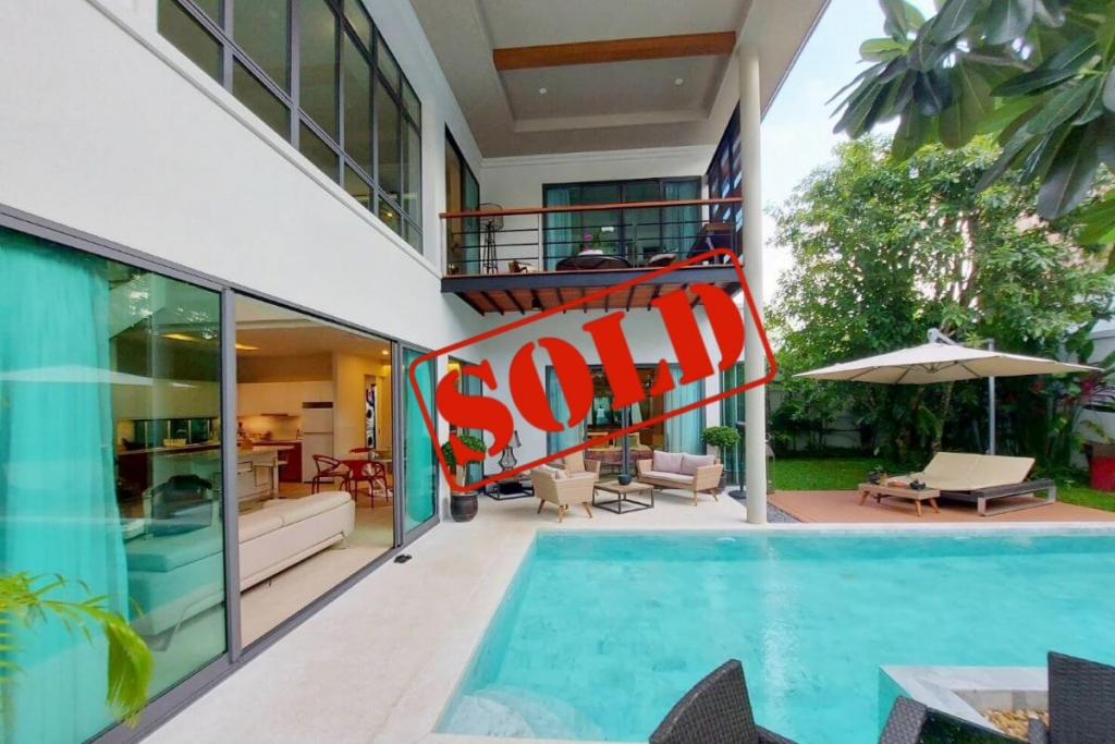 3 Bedroom Modern Pool Villa for Sale by Owner near Boat Avenue in Cherng Talay, Phuket