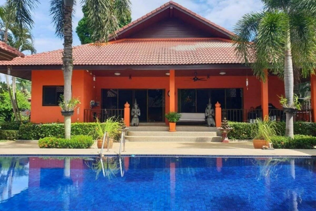 3 Bedroom Pool Villa on 1600 sqm or 1 rai Plot of Land for Sale in Rawai, Phuket