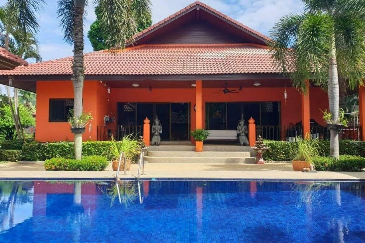 3 Bedroom Pool Villa on 1600 sqm or 1 rai Plot of Land for Sale in Rawai, Phuket