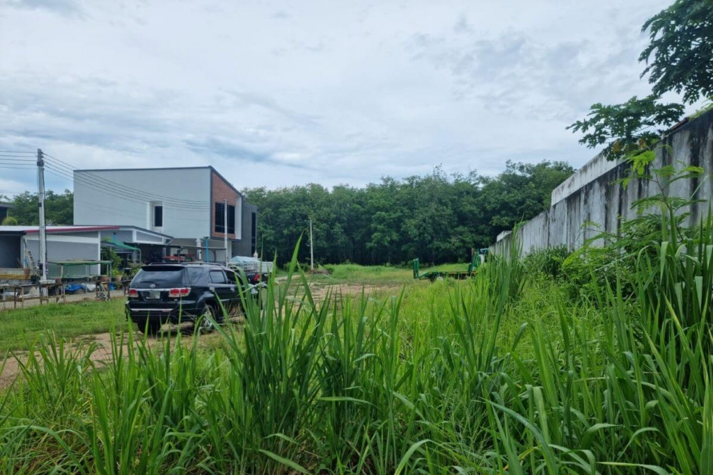 385.5 Square Wah (1,540 sqm) Land for Sale by Owner in Soi Suksan in Rawai, Phuket