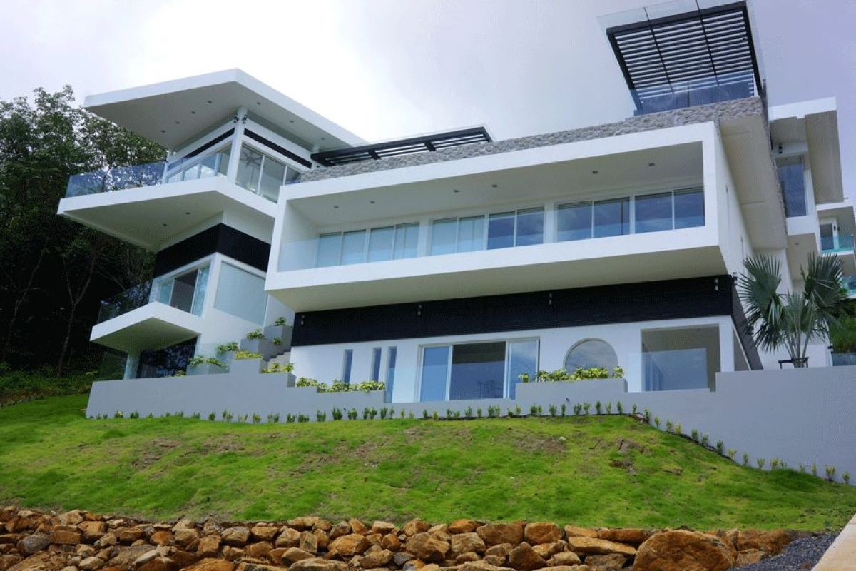 5 Bedroom Sea View Pool Villa for Sale on a Large Plot of 3,400 sqm near Mission Hills in Ao Po, Phuket