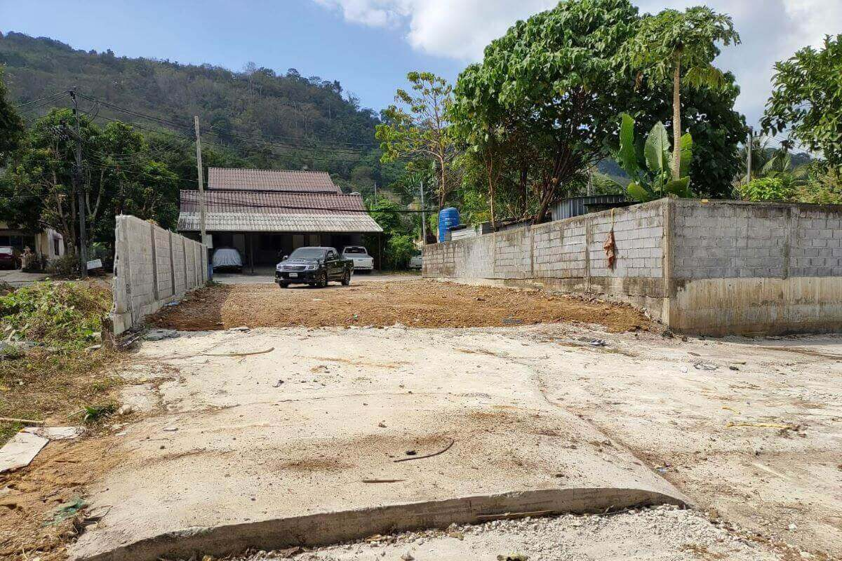 156 Square Wah (664 Sqm) Land for Sale by Owner near Tesco Lotus in Chalong, Phuket